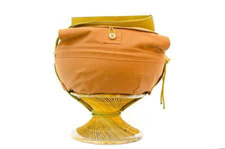 limosna: Monk s limosnas taz�n para almacenar alimentos