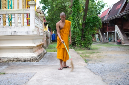 Thai monk Sweep temple  photo