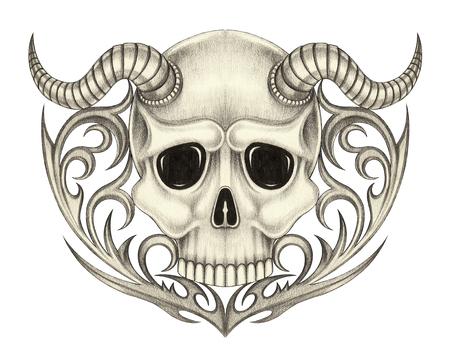 Tatuaje del cráneo del diablo. Arte principal diseño del cráneo del diablo mezclar gráfico dibujo de lápiz a mano tatuaje tribal en el papel.