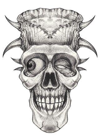 Tatouage de crâne surréaliste d'art. Dessin à la main sur papier.
