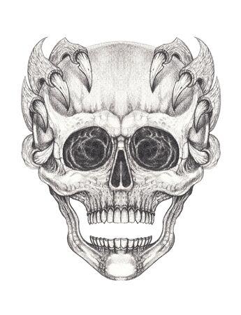 Art Surreal Skull Tattoo. Hand drawing on paper. Foto de archivo - 137575113