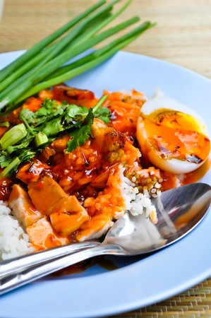 thai noodle: red sauce pork with rice