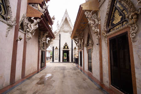 Wat Si Sa Thong is a Buddhist temple in Nakhon Pathom, Amazing old Historical Sites in Thailand.