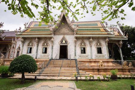 The famous Temple at Wat Si Sa Thong, Landmark wat thai in Nakhon Pathom, Thailand.