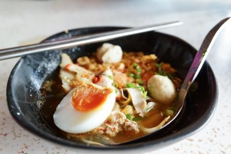 Egg noodle thai