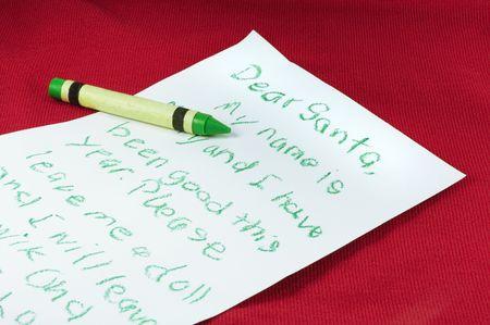 아이가 산타에게 편지를 썼다.