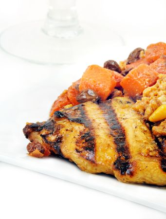 Moroccan Grilled Chicken with Carrots and Tabbouleh. Banco de Imagens