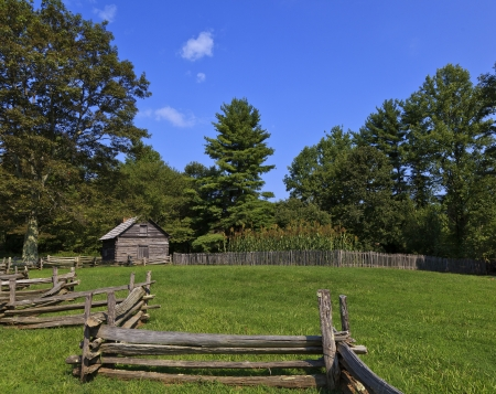 split rail: Puckett Cabin in Virginia on the Blue Ridge Parkway Stock Photo