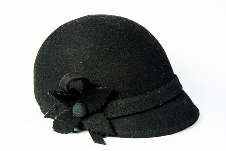 riding helmet: sideview negro casco de caballo aislado en el fondo blanco