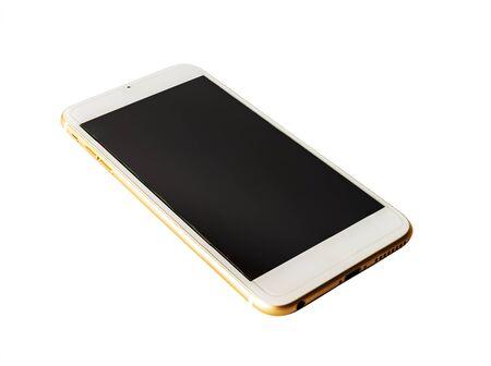 Écran noir de téléphone intelligent isolé sur fond blanc