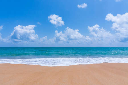 Summer and relax concept, Beach sand and blue sea landscape nature in blue sky Banque d'images