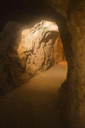 古い鉱山のシャフト