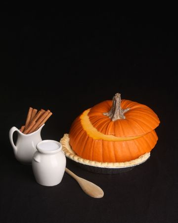 Do it yourself pumpkin pie kit with copy space 版權商用圖片