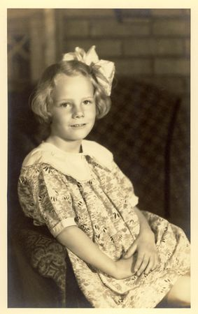 sleeve: Vintage portrait of a little girl from around 1930 Stock Photo