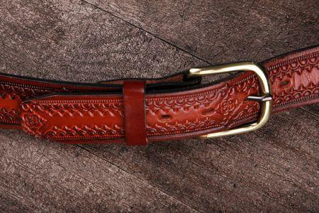 tooled leather: Closeup di cintura occidentale o cowboy