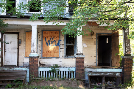 Abandoned and fire damaged home in Detroit, Michigan. Stok Fotoğraf - 34871859