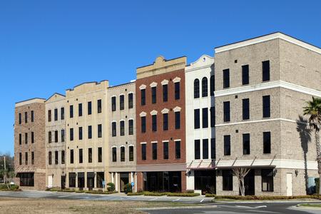 소매 및  또는 임대 사무실