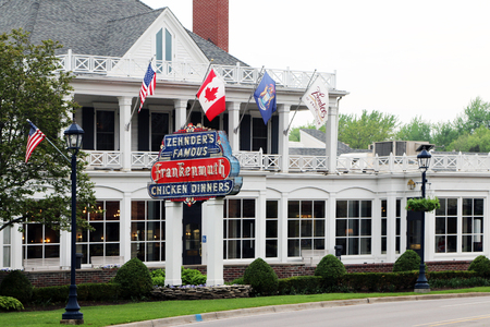 FRANKENMUTH, MICHIGAN-DECEMBER 30, 2017:  Zhender's Famous Frankenmuth Chicken Dinners is a Frankenmuth landmark, having served family style dinners for over 60 years. Standard-Bild - 101833149