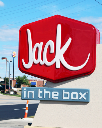 LOS ANGELES, CALIFORNIA-DECEMBER 26, 2017:  Sign for Jack in the box, a popular western hamburger chain with over 2200 locations. Standard-Bild - 101834357