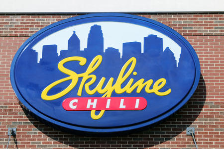 CINCINNATI, OHIO-DECEMBER 30, 2017:  Skyline Chili is a chain of  restaurants founded in 1949 and headquartered in Cincinnati. They features chili.  There are over 150 restuarnats in the midwest. Standard-Bild - 101834360