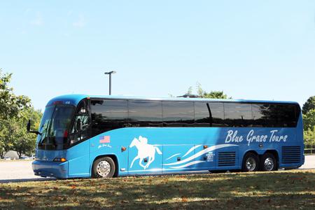 LEXINGTON, KENTUCKY-JANUARY 21, 2018:  Luxury bus or coach for tour groups on Kentucky's Bluegrass region. 新闻类图片