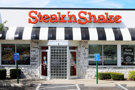 NASHVILLE, TENNESSEE-DECEMBER 23, 2017-Steak'nShake restaurant.  Steak'nShake is a casual American restaurant with over 500 locations throughout the USA.  It feature hamburgers and milk shakes and was founded in 1934.