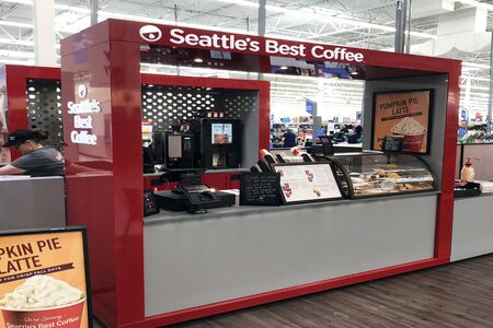 FRANKLIN, TENNESSEE-SEPTEMBER 17, 2018:  New Seattle's Best Coffee outlet inside a recently renovated Walmart. 新闻类图片
