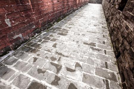 chinese wall: chinese pathway