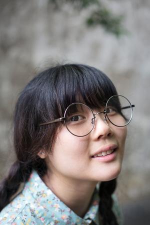 expresiones faciales: Young asian girl portrait Foto de archivo