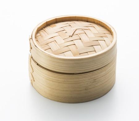 中国の竹容器で点心を蒸し