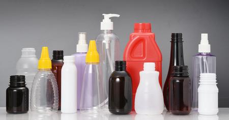 PE ・ フィギュア色とりどりのプラスチック ボトル