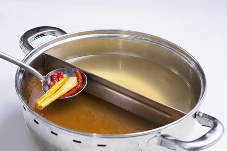 steambot スープ、トムヤムクンのスープ