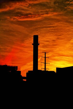 Sonnenuntergangsilouhette der Skyline der Stadt in St. Paul, Minnesota. Standard-Bild