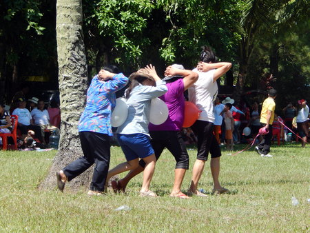 outbound: Four women in fum game