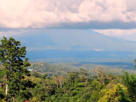 celebes: Cumulonimbus cloud and mountain Stock Photo