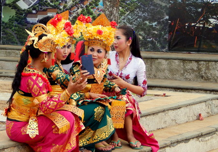 group picture: Balinese dance girls took group picture Editorial