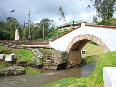 プエンテ ・ デ ・ ボヤカ県、イギリスの軍隊の助けを借りてのシモン ・ ボリバル軍がコロンビアの独立を保証ボヤカ県の有名な戦いのサイト 写真素材