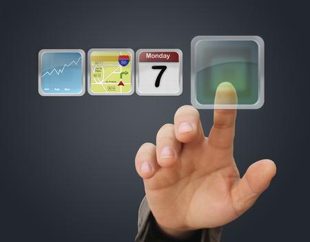 Dotykem prstu interaktivní obrazovky