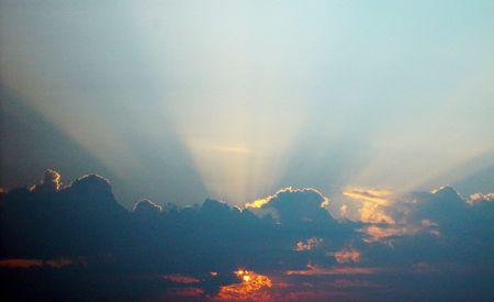 晴れやかな日の出。 写真素材