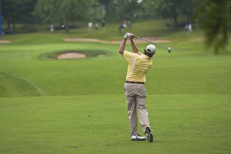 stephen: OAKVILLE, ONTARIO - 22 luglio 2009: Golfer Stephen Ames segue il suo tee shot durante un evento pro-am presso il golf Canadian Open del 22 luglio 2009.