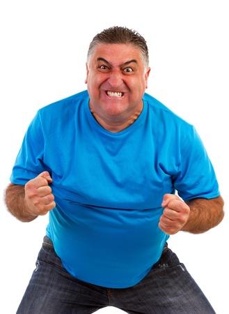 loco: Hombre enojado aislado en un fondo blanco