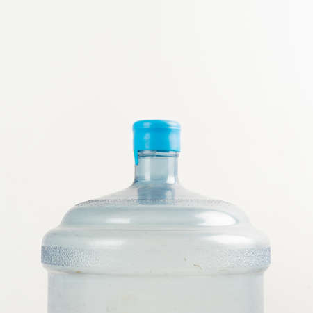 agua purificada: recipientes de agua purificada Foto de archivo