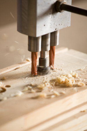 machines: wood drilling machines