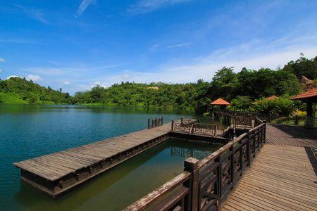 beautiful  wooden  bridge  scenery  at  the   park Stock Photo - 6667294