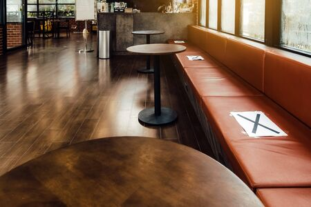 Alternative seating mark for social distance rules in the cafe distance for one seat from other people to protect from Corona Virus(COVID-19), social distancing for infection risk.New normal lifestyle Stockfoto