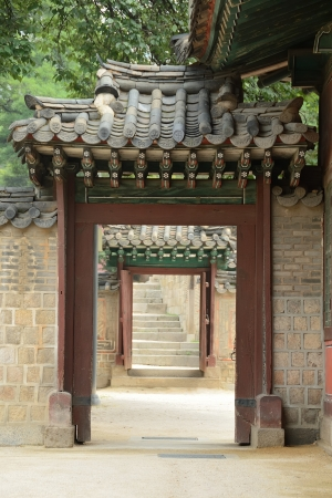 Door of a korean traditional palace photo