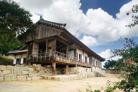 GwanGaJeong, Korean Traditional House in Yangdong Village, GyeongJu, Korea Stock Photo - 20578565