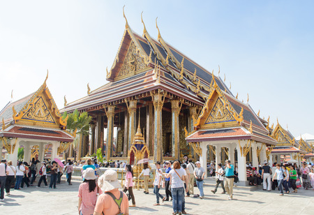 emerald city: BANGKOK, THAILAND - DECEMBER 29, 2012: Chapel of the Emerald Buddha in Emerald Temple