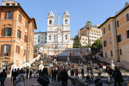 Spagna: ROME, ITALY - JANUARY 22, 2010: Spanish steps are stairs in Rome, Italy. The base of the spanish steps is the piazza di spagna, Spain square in english. These are famous tourist attraction in the world.