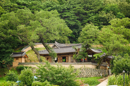 folk heritage: GYEONGJU, KOREA - AUGUST 9, 2010: Simgsujeong in Yangdong Folk Village in Gyeongju, Gyeongsang-do, Korea. The village is a World Heritage Site by UNESCO.